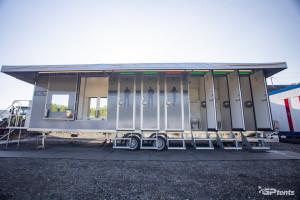 sanitární přívěs XXL PRO, pronájem Štefek, instalace F1, Spielberg Rakousko, oblast GP tents (12)